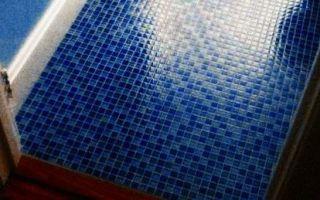 Плитка-мозаика для ванной комнаты — пошаговая укладка на стены