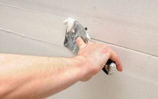 Как заделать швы между панелями на потолке самому