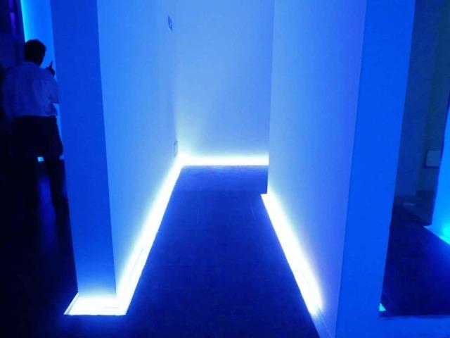 Подсветка пола - для чего нужна, и как сделать самостоятельно светодиодную подсветку