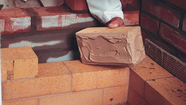 Как выложить камин своими руками - руководство для новичков