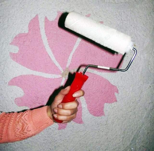Как клеить жидкие обои - подробная пошаговая инструкция, 80+ фото