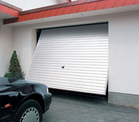 Старт с пол-оборота: выбираем теплые ворота для гаража
