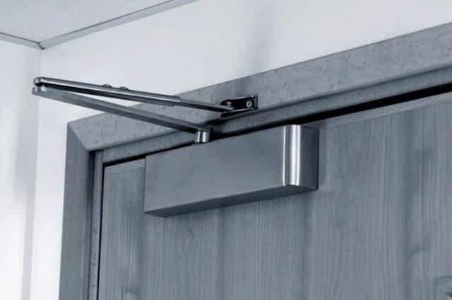 Как установить доводчик на дверь - монтируем сами