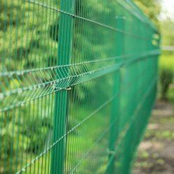Как сделать забор из сетки рабицы - пошаговая инструкция