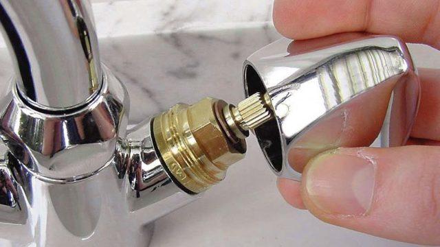 Ремонт смесителя на кухне своими руками - памятка домашнему мастеру.
