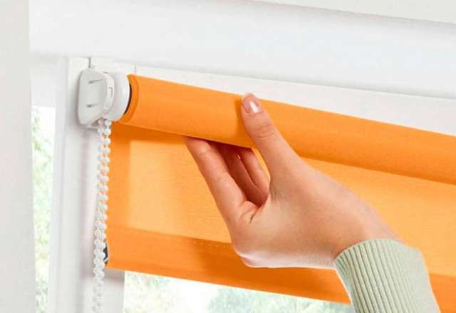 Рулонные шторы на пластиковые окна без сверления - устанавливаем самостоятельно