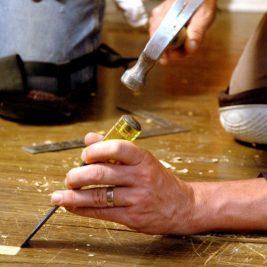 Ремонт пола в квартире своими руками поэтапно - для начинающих мастеров.