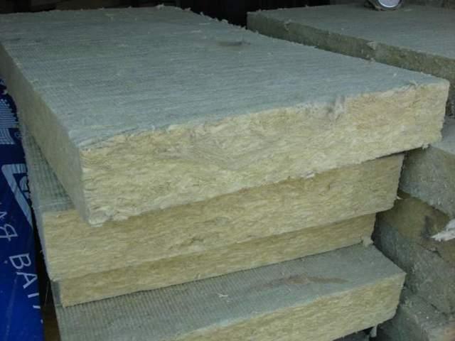 Минвата или базальтовая вата: чем лучше утеплить дом - выбираем материал для утепления дома