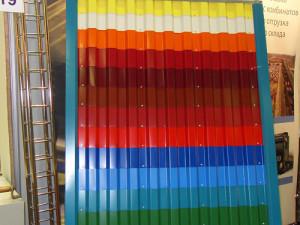 Отделка фундамента дома профлистом: обзор материалов, комплектующих и технология