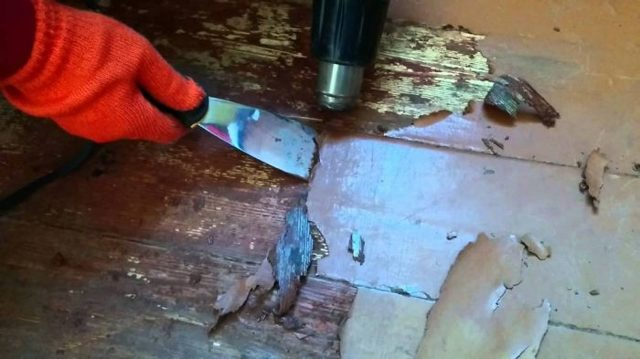 Покраска деревянного пола своими руками - поэтапная инструкция