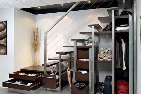 Как оформить пространство под лестницей - делаем сами