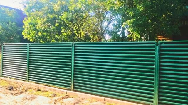 Забор своими руками - наиболее распространенные варианты
