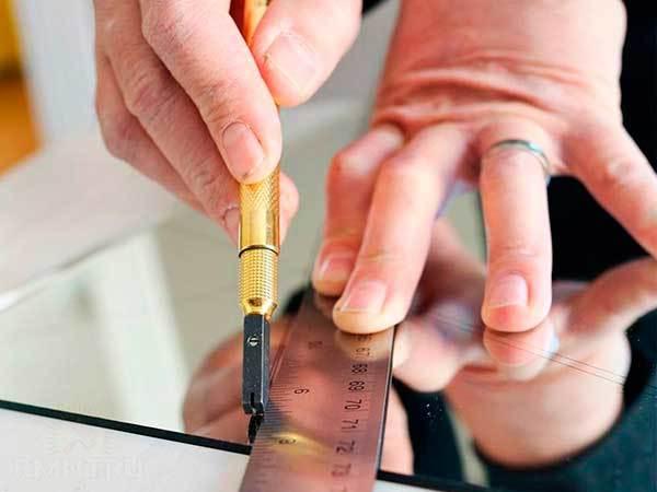 Стеклорез какой лучше — выбираем оптимальный инструмент, каким стеклорезом лучше резать