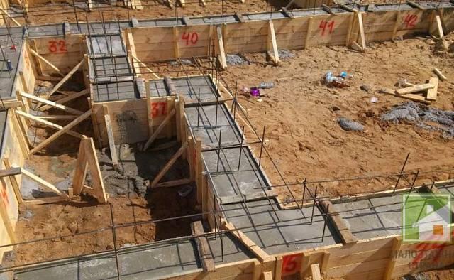 Когда снимать опалубку после заливки бетона - разбираемся в нюансах.