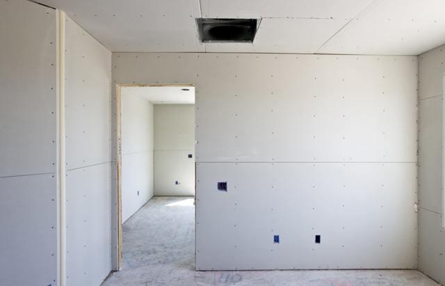Как крепить гипсокартон к стене без профилей - разбираем доступные варианты.