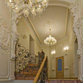 Лепнина в интерьере - использование в различных стилях отделки на стенах