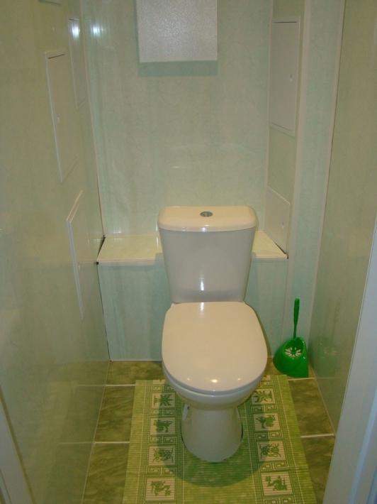 Отделка туалета ПВХ панелями - выбор материала и инструкция