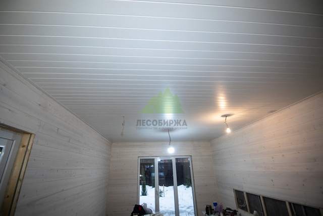 Покраска вагонки внутри дома - необходимые составы и технология их нанесения