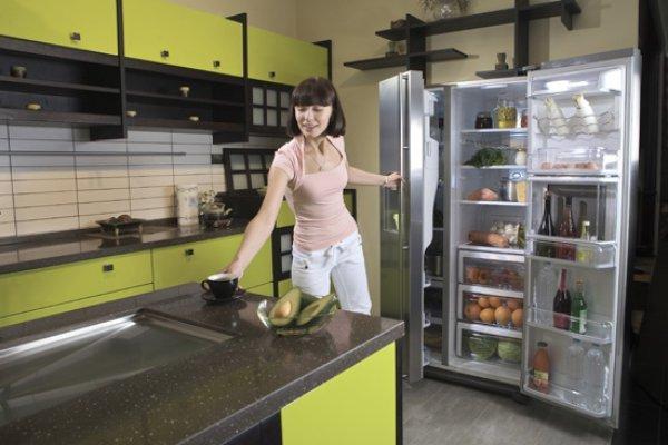 Запах в холодильнике как избавиться - простые эффективные народные методы