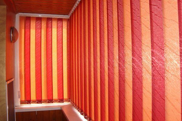 Чем закрыть окна на балконе от солнца - выбираем оптимальный вариант