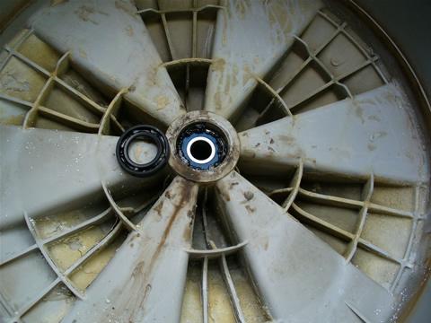 Стиральная машина не крутит барабан причина - поиск и устранение поломок в стиральной машине