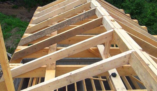 Двускатная крыша дома своими руками - сложно, но возможно